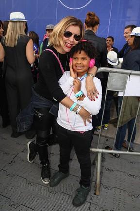 Astrid Fontenelle e o filho (Foto: Manuela Scarpa/Photo Rio News   )