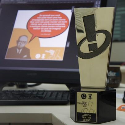 Troféu que será destinado à Agência Criativa do Ano (Foto: Alysson Bernardo/TV Cabo Branco)