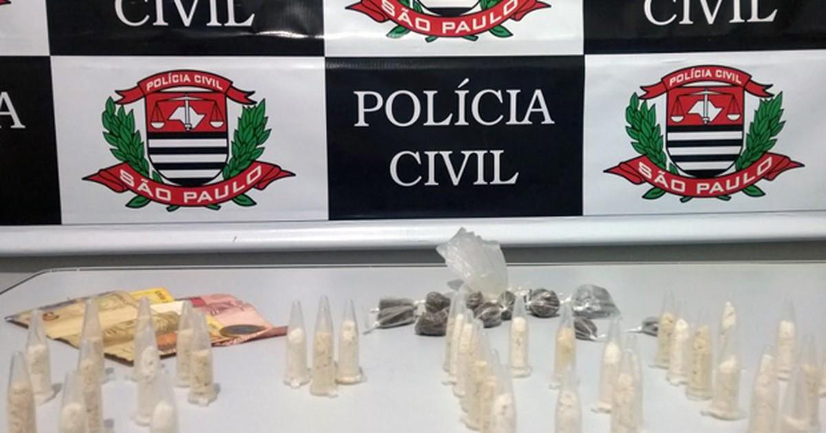 Dois são detidos com maconha e cocaína após denúncia em Caraguá - Globo.com