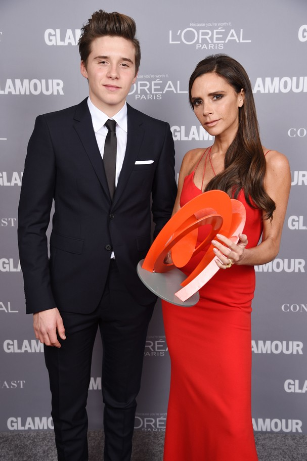Brooklyn e Victoria Beckham no Women of th Year 2015 (Foto: Getty Images)