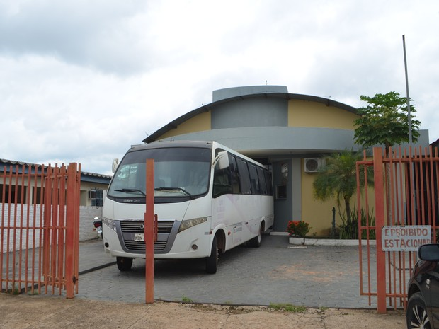 O ônibus da Fhmeron irá percorrer as cidades próxima a Ji-Paraná fazendo coletas de sangue. (Foto: Pâmela Fernandes/G1)