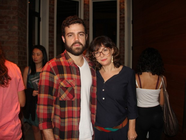 Cinegrafista João Gomez e Regiane Alves em peça na Zona Sul do Rio (Foto: Anderson Borde/ Ag. News)