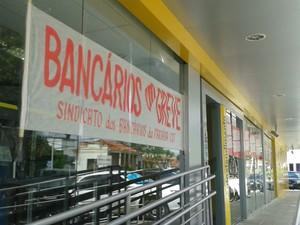 Greve dos bancários na Paraíba fecha pelo menos 160 agências (Foto: Aline Oliveira / G1)