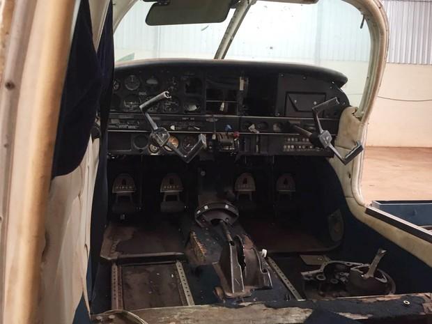 Aeronave apreendida estava desmontada e em mau estado de conservação (Foto: Polícia Federal/Divulgação)