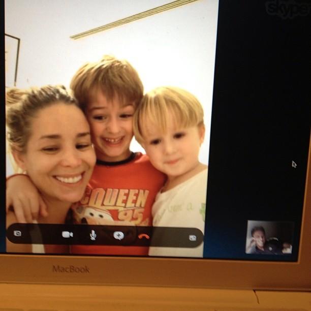 Danielle Winits com os filhos e Amaury (Foto: Instagram/Reprodução)