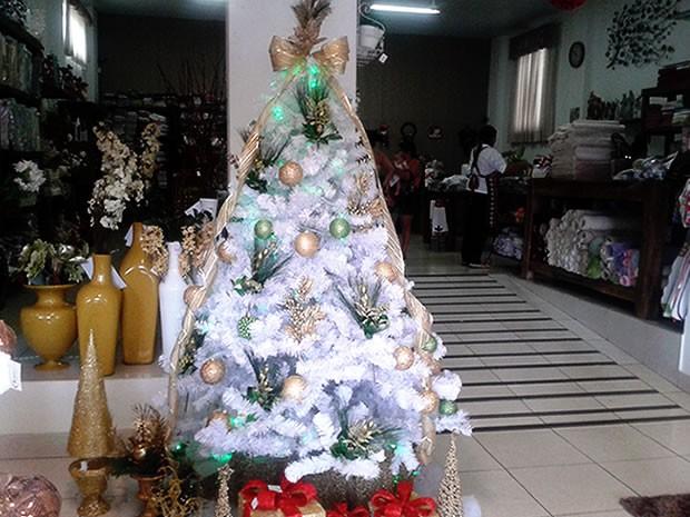 decoracao arvores de natal branca:Árvore Branca