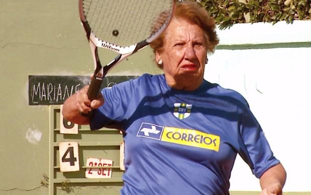 Maria Helena Barbosa, tenista de 80 anos (Foto: Oscar Herculano Jr./ EPTV)