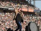 Será? Barriguinha de Avril Lavigne levanta suspeita sobre gravidez