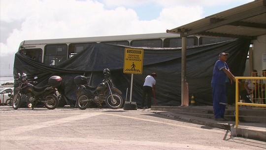 Ladrões usam ônibus para invadir garagem de transportadora no Recife
