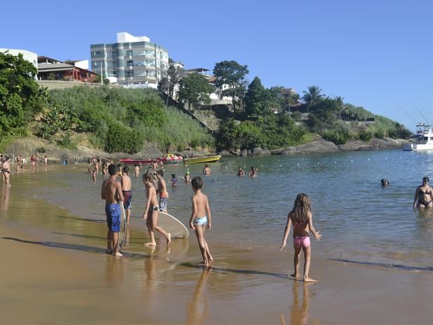 Praia da Areia Preta, em Iriri (Foto: Juliana Borges/G1 ES)
