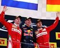 Atuações: Nico e Lewis se envolvem em trapalhada. Verstappen faz história