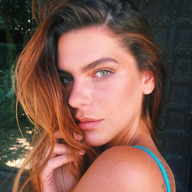 Mariana Goldfarb fala sobre polêmica envolvendo as sobrancelhas: Não sigo padrões (Foto: Reprodução do Instagram)