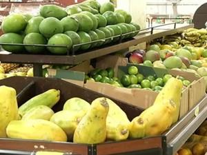 Nutricionista de Resende alerta para consumo de verduras, legumes e frutas (Foto: Reprodução/TV Rio Sul)