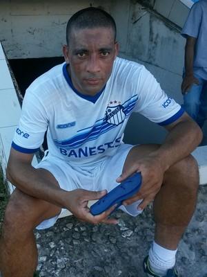 Volante Fábio Buru confirmou os atrasos salariais no São Mateus (Foto: Richard Pinheiro/GloboEsporte.com)