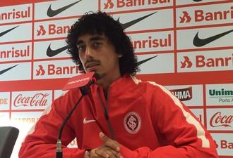 Valdívia meia Inter (Foto: Tomás Hammes / GloboEsporte.com)