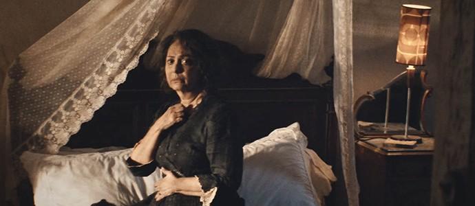 Zana vivida por Eliane Giardini em 'Dois Irmãos' (Foto: Divulgação)
