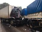 Motorista de caminhão morre após bater contra carreta bitrem no Paraná