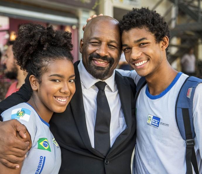 Ailton Graça, que vive o pai de Wesley na novela, é só elogios para Juan (Foto: Renato Rocha Miranda/Globo)