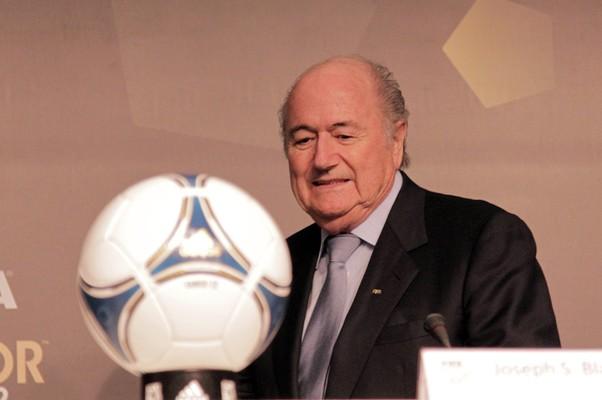O presidente da Fifa, Joseph Blatter, durante o anúncio dos candidatos a Bola de Ouro 2012, em São Paulo (Foto: Eliária Andrade / Agência o Globo)