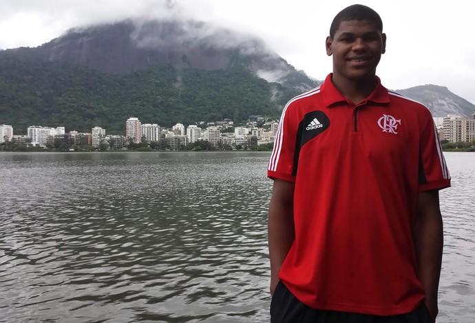 Deslumbrado com o Rio de Janeiro, Cristiano Felício posa na Lagoa Rodrigo de Freitas (Foto: Divulgação/MPC Rio Comunicação)