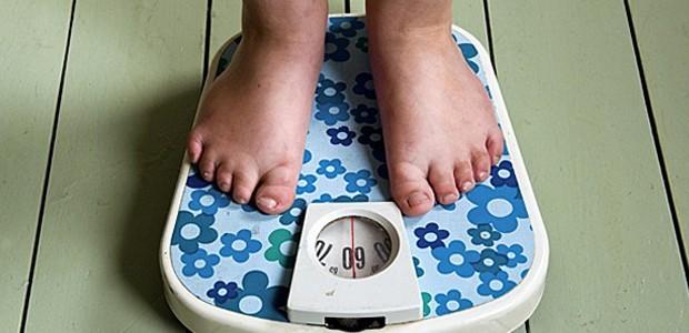 IMC se baseia no seguinte cálculo: o peso da pessoa é dividido pelo quadrado de sua altura (Foto: Roos Koole/ANP MAG/ANP/Arquivo AFP)