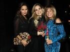 Zilú Camargo curte noite paulistana com a filha Wanessa e a ex-cunhada