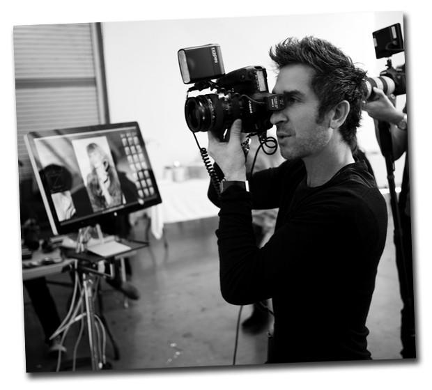 Davis Factor em ação, nos estúdios da Smashbox em Los Angeles (Foto: Divulgação)