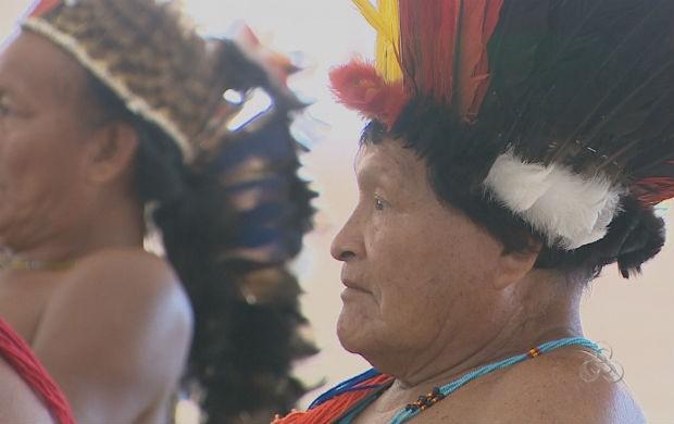 Índios do Pará e Amapá durante a Mobilização dos Povos Indígenas em Macapá (Foto: Reprodução/TV Amapá)