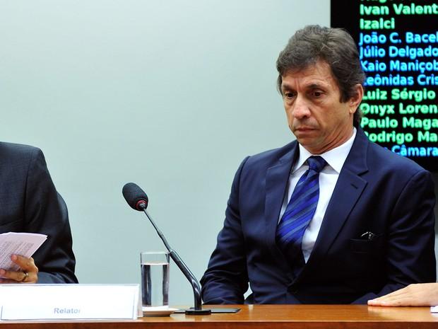 Sérgio Cunha Mendes, vice-presidente da Construtora Mendes Júnior Trading Engenharia S.A, durante audiência na Câmara dos Deputados, em Brasília, em Junho de 2015 (Foto: Zeca Ribeiro/Câmara dos Deputados)