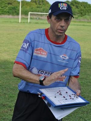 Fernando Tonet define atalhos para conquista da vitória nas semifinais (Foto: Renan Morais/GLOBOESPORTE.COM)