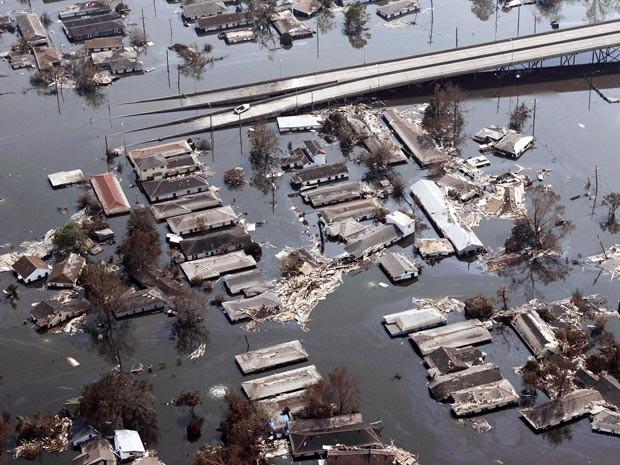 Em 2005, o furacão Katrina destruiu Nova Orleans e mostrou a vulnerabilidade dos Estados Unidos (Foto: AFP/arquivo)