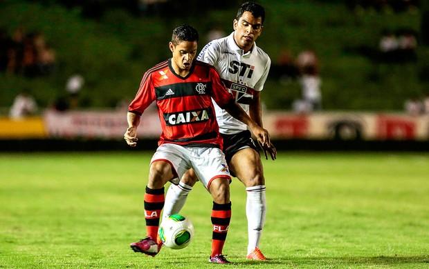 Carlos Eduardo e Maicon jogo amistoso Flamengo São Paulo (Foto: Miguel Schincariol / Ag. Estado)