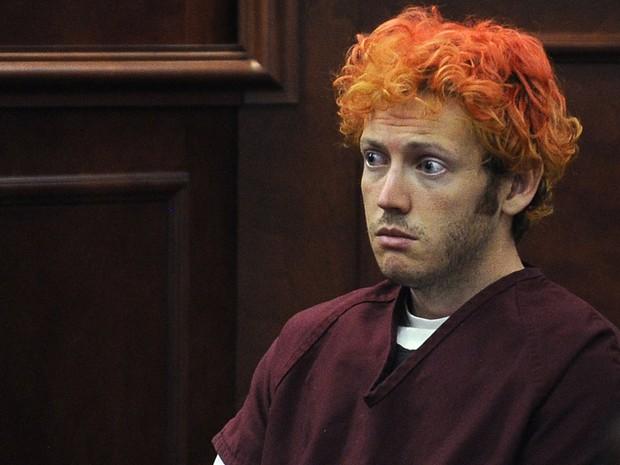 James Holmes comparece ao tribunal em Centennial, Colorado. Ele se entregou à polícia após executar o ataque a tiros dentro de um cinema durante a pré-extreia do novo filme do 'Batman' na cidade de Aurora. (Foto: AP/RJ Sangosti/The Denver Post)