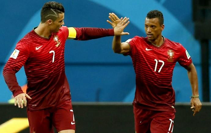 Cristiano Ronaldo e Nani EUA x Portugal (Foto: EFE)