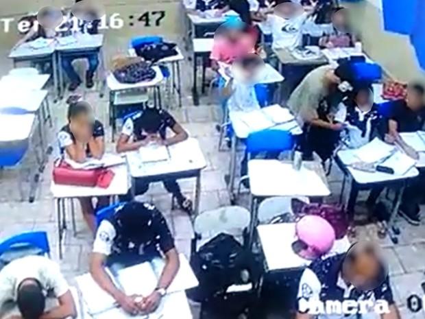 Arrastão em escola foi registrado por câmeras de segurança, em Abadia de Goiás (Foto: Reprodução/TV Anhanguera)