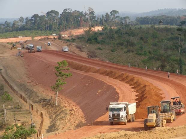 Obras da usina hidrelétrica de Belo Monte, no rio Xingu.  (Foto: Divulgação)