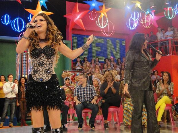 Chayene e Regina Casé (Foto: Cheias de Charme / TV Globo)