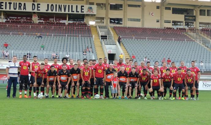 Joinville apoio (Foto: João Lucas Cardoso)