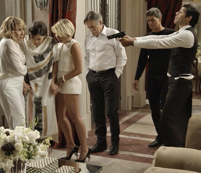 Capanga ajuda Orlando no sequestro de Gibson (Foto: TV Globo)
