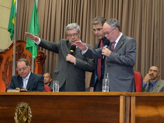 Prefeito eleito em Piracicaba, Barjas Negri (PSDB), e vice, José Godoy, tomaram posse neste domingo (Foto: Claudia Assencio/G1)