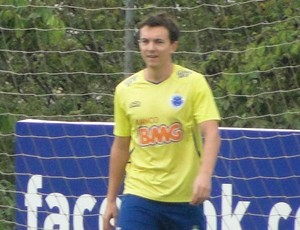 Dagoberto e Willian treino Cruzeiro (Foto: Tarcísio Badaró)