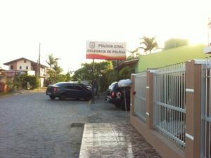 delegacia penha (Foto: Vanessa Moltini/RBS TV)