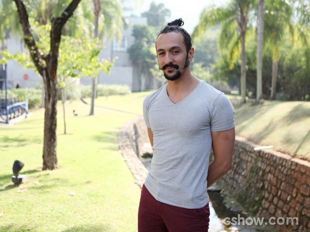 Irandhir Santos fala sobre o romantismo do Zelão (Foto: Carol Caminha / TV Globo)