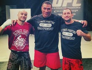 Marlon Moraes, Ray Sefo e Frankie Edgar treino MMA (Foto: Divulgação / Facebook Oficial)