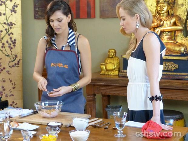 Tainá prepara prato típico da Tailândia (Foto: Estrelas/TV Globo)
