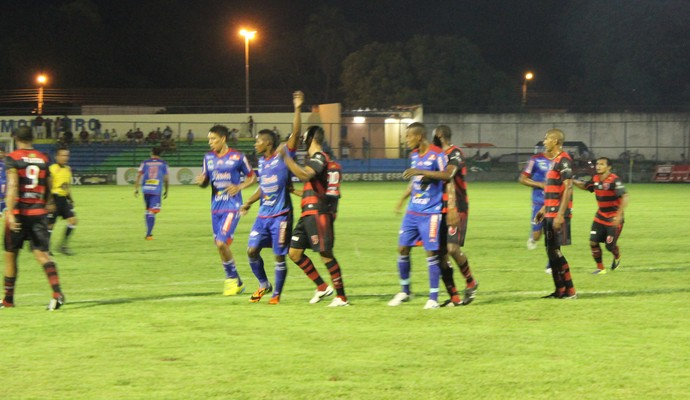 Flamengo-PI x Piauí (Foto: Josiel Martins)