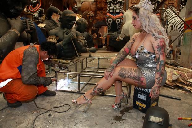 Sabrina Boing Boing no barracão da Tatuapé (Foto: Marcos Ribas/EGO)