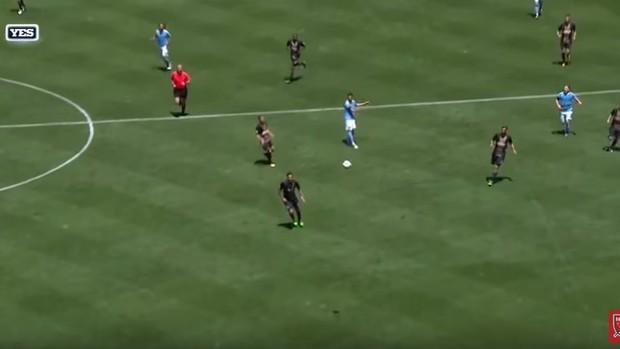 BLOG: Villa arrisca do meio de campo e quase faz gol antológico na MLS; assista ao lance