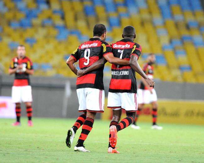 Alecsandro e Cirino, Flamengo Cabofriense (Foto: André Durão)