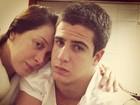 Sem maquiagem, Claudia Raia posa abraçada ao filho Enzo